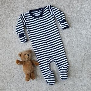 LIKE NEW L'ovedbaby Organic Gloved Footed Overall